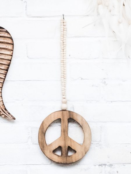 bohemian walldecoration, houten peace teken, boholiving, wooden peace sign