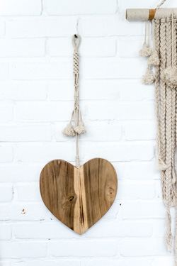 houten hart, wooden heart, love mala, wooden heart madumadu, houten hart madumadu