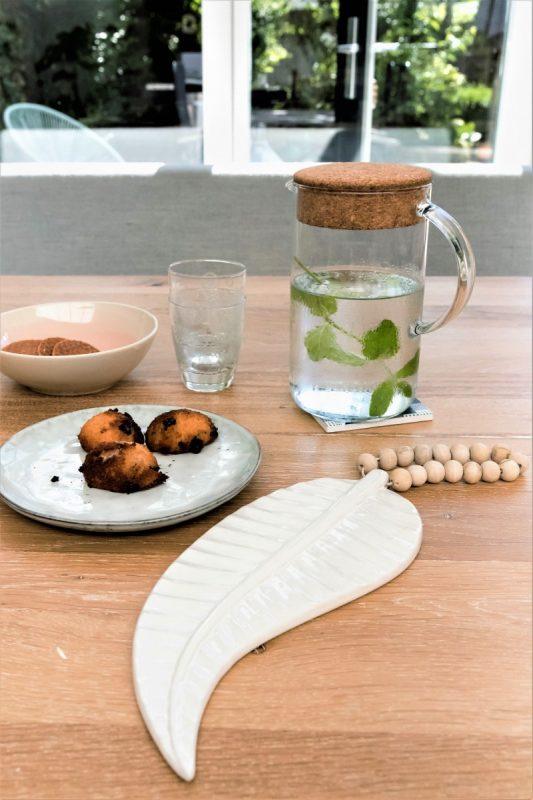 ceramics feather mala, ceramics feather, ceramics madumadu, keramiek veer, veer keramiek, veer madumadu, keramiek madumadu
