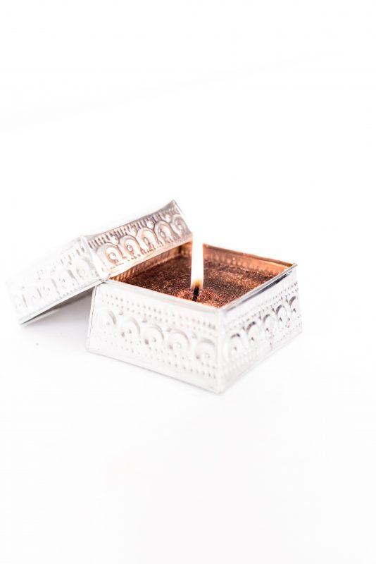 candle box madumadu, offering basket madumadu, offermandje bali